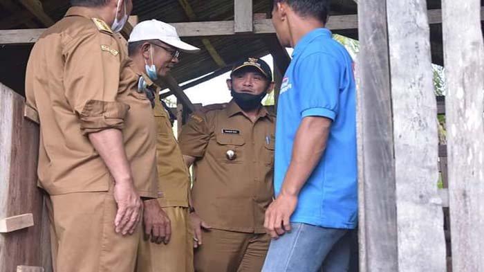 Wakil Bupati Fahrur Rofi Pantau Lokasi Peternakan Kambing di Kecamatan Tebas