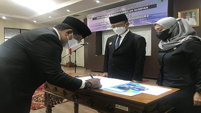 Wali Kota Pontianak Edi Rusdi Kamtono Lantik Dewan Pengawas PDAM Tirta Khatulistiwa