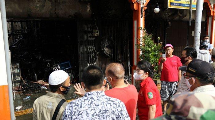 Wali Kota Tjhai Chui Mie Berikan Perlakuan Khusus Pada Korban Kebakaran di Singkawang
