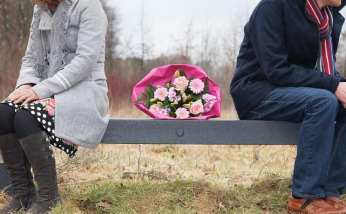 Ciri-ciri Suami Selingkuh atau Pasangan Punya Simpanan Wanita Mudah Marah & Tidak Bergairah Lagi