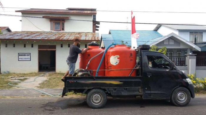 Musim Kemarau, Pedagang Air Dadakan Raup Penghasilan Ratusan Ribu per Hari