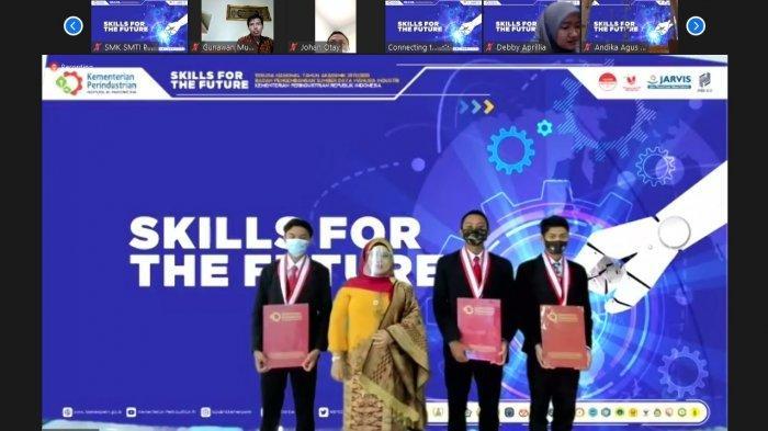 Suasana Wisuda Virtual Serentak se-Indonesia, SMK-SMTI Pontianak Sabtu 28 November 2020