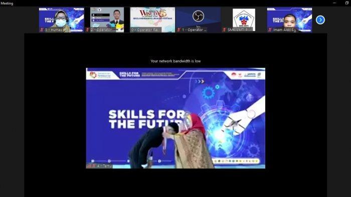 Wisuda Virtual Serentak se-Indonesia, SMK-SMTI Pontianak Cetak 219 Wisudawan Siap Kerja - wisuda-virtual-serentak-se-indonesia-smk-smti-pontianak-33.jpg