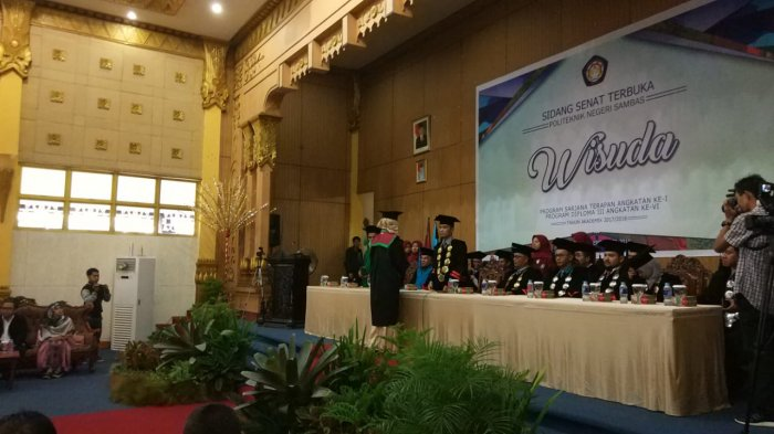 Politeknik Negeri Sambas Wisudakan 105 Mahasiswa