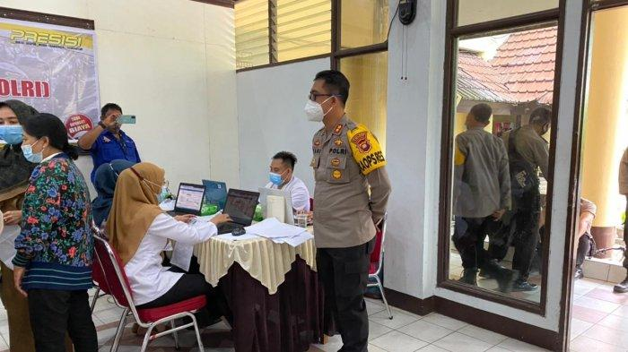 265 Personel Polres Kubu Raya Laksanakan Vaksinasi Tahap II