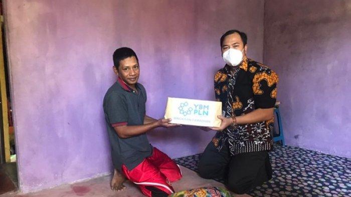 Santuni Anak Yatim dan Warga Kurang Mampu, YBM PLN Ketapang Bagikan Bingkisan Ramadan