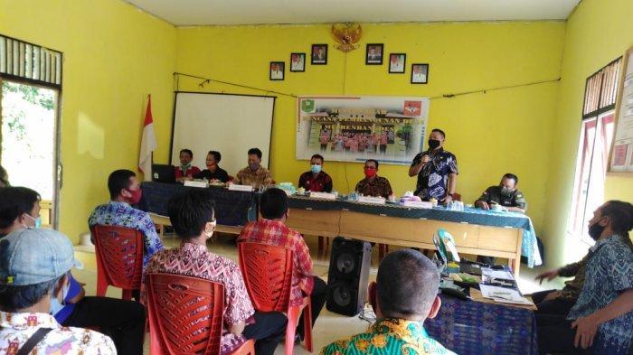 Anggota DPRD Sanggau Krismono Hadiri Musrenbangdes Padi Kaye