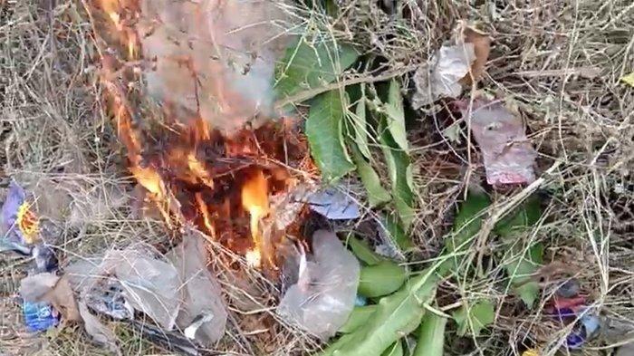 Zat yang Dihasilkan Dari Asap Hitam Pembakaran Sampah 350 Kali Lebih Berbahaya dari Asap Rokok