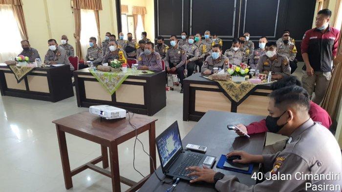 Bhabinkamtibmas Polsek jajaran Polres Singkawang Ikuti Sosialisasi Perkap Nomor 7 Tahun 2021