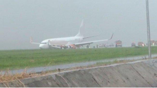 kabut-asap-kembali-pekat-aktivitas-penerbangan-delay-dibatalkan-bmkg-pantau-567-hotspot.jpg