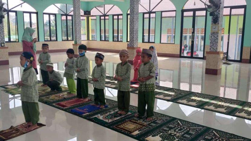 murid-taman-kanak-kanak-tk-islam-mudzakirin.jpg