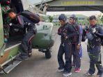 aksi-7-personel-yonko-465-paskhas-brajamusti-melompat-dari-ketinggian-6000-feet.jpg