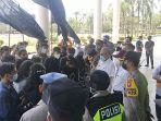 aksi-demonstrasi-solidaritas-mahasiswa-dan-pemuda-pengemban-amanat-rakyat-1.jpg