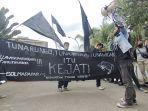 aksi-demonstrasi-yang-digelar-solidaritas-mahasiswa-dan-pemuda-22.jpg