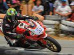 aksi-pembalap-ricky-halim-di-ajang-kejuaraan-balap-motor-new-normal-protokol-2020.jpg