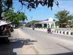 aktivitas-masyarakat-di-jalan-kota-karang-kecamatan-sukadana42.jpg