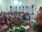anggota-dpd-ri-christiandy-sanjaya-saat-menghadiri-undangan-natal.jpg