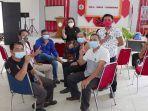 anggota-dprd-landak-saat-melaksanakan-suntik-vaksin-covid-19.jpg