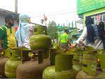 atasi-antrean-pembelian-gas-elpiji-3-kg.jpg