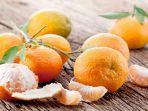 bahayanya-ngeri-banget-jangan-makan-jeruk-saat-musim-hujan-jika-tak-ingin-terjadi-ini.jpg