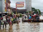 banjir-melanda-enam-kecamatan-di-kabupaten-melawi.jpg