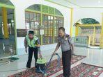 bersihkan-masjid_20180612_081146.jpg
