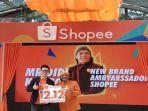 direktur-shopee-indonesia-handika-jahya-berfoto-bersama-didi-kempot.jpg
