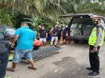 evakuasi-korban-kecelakaan-lalu-lintas-di-jalan-raya-sanggau-ww2.jpg