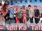 festival-budaya-dayak-ke-1-kalimantan-barat-resmi-dibuka-oleh-gubernur-sutarmidji.jpg