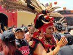 festival-tatung-cap-go-meh-kubu-raya.jpg<pf>festival-tatung-cap-go-meh-kubu-raya-2.jpg<pf>festival-tatung-cap-go-meh-kubu-raya-3.jpg<pf>festival-tatung-cap-go-meh-kubu-raya-1.jpg<pf>festival-tatung-cap-go-meh-kubu-raya-4.jpg