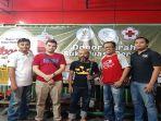 foto-bersama-alumni-sma-kolese-de-britto-jogyakarta-saat-kegiatan-donor-darah.jpg