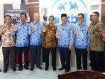 foto-bersama-anggota-komisi-ix-dprri-alifuddin.jpg
