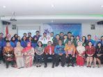 foto-bersama-usai-kompetisi-debat-mahasiswa-indonesia-2019.jpg