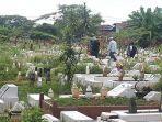 foto-suasana-pemakaman-muslim-di-kota-pontianak-sedang-sepi.jpg