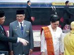 gubernur-kalbar-sutarmidji-memberikan-selamat-kepadaal-leysandri-setelah-dilantik-sebagai-sekda.jpg