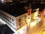 hotel-santika-malam-hari.jpg