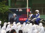 instruktur-safety-riding-astra-motor-pontianak-dony-adrian.jpg