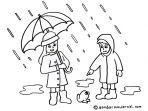jas-hujan-yang-digunakan-oleh-dua-orang-saat-hujan.jpg