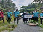 jasa-raharja-tanam-mangrove-di-mempawah-cinta-mangrove.jpg<pf>regy-s-wijaya-melakukan-penanaman-mangrove.jpg<pf>kepala-unit-keuangan-akuntansi-dan-pkbl-silvia-desri.jpg