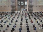 jemaah-melaksanakan-salat-jumat-di-masjid-istiqlal-jakarta-pusat-jumat-20-agustus-2021.jpg