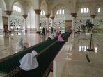 jemaah-perempuan-di-masjid-raya-mujahidin-pontianak_20180525_152550.jpg