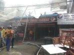 kebakaran-di-jalan-antasari-kota-pontianak_20170208_142622.jpg