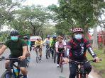 kegiatan-bersepeda-pagi-sekda-kalbar-rute-dari-halaman-kantor12.jpg