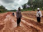 kondisi-jalan-di-sekitaran-proyek-penanggulangan-bencana-banjir-76.jpg