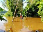 kondisi-jembatan-sungai-engkakal-desa-nanga-biang.jpg