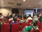 konferensi-pers-earth-hour-pontianak-2018_20180317_201708.jpg