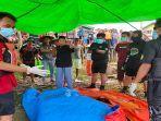 korban-yang-tenggelam-di-desa-ujung-jambu-kecamatan-jongkong2345.jpg