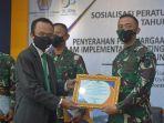 korem-121abw-meraih-penghargaaan-dari-direktorat-jenderal-perbendaharaan-provinsi-023.jpg