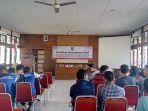managemen-ritel-bagi-pedagang-warung-tradisional-umkm-kabupaten-mempawah_20180423_115211.jpg