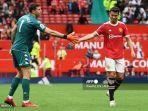 manchester-united-cristiano-ronaldo-liga-champions-penjaga-gawang-aston-villa-emiliano-martinez.jpg